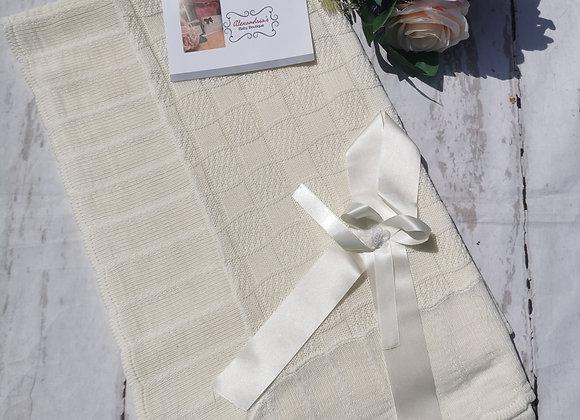 Cream shawl (pex)