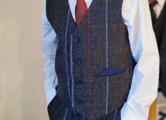 Flyn suit