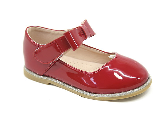 Red bow patent shoe