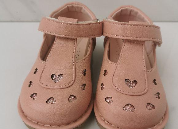 Salmon heart shoe