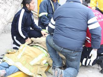 Familiares dicen que la dejaron tirada en el suelo. Nueva EPS afirma que no hubo negligencia.