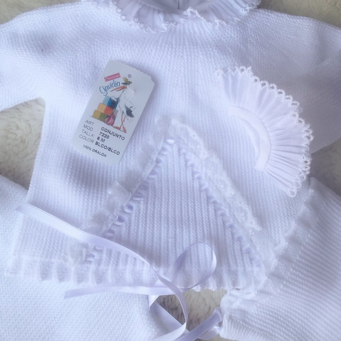 White frill knit set