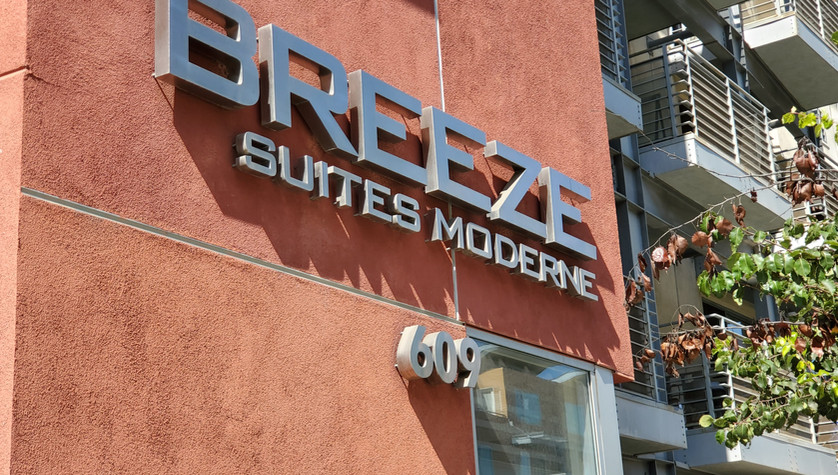 Breeze Suites Moderne Exterior