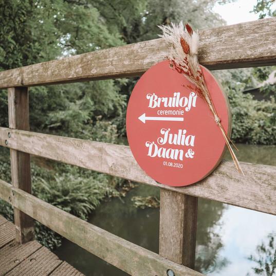 Bruiloft bold bohemian signing