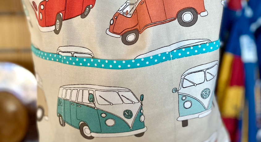 Rainbow_bags_Camper_van_with_turquoise_t