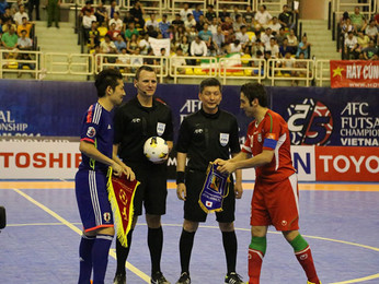 Aussie referee takes centre stage at the world futsal tournament in Columbia.