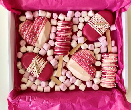 pink cakesicles.jpg