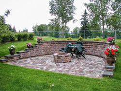 Calgayr Landscaper retaining wall