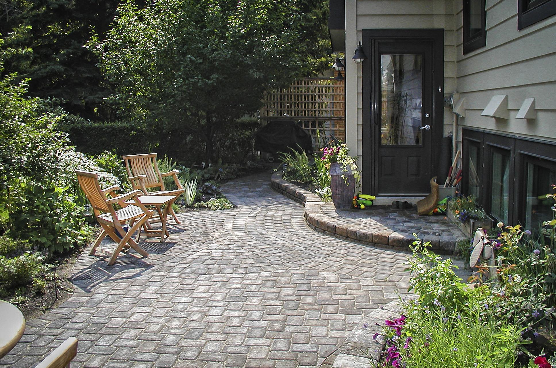 Calgayr landscaper patios
