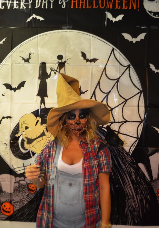 preggo scarecros costume