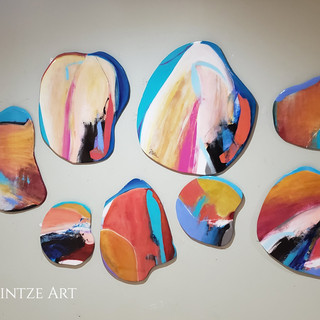 Set of Eight Abstract Rounds