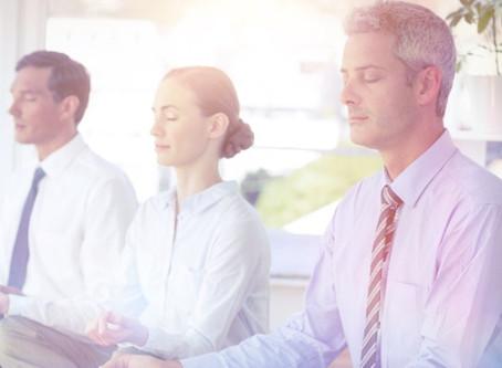 Yoga für vielbeschäftigte Geschäftsleute?! 🤔 Auf jeden Fall!