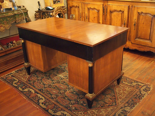 Early 19c. Knee Hole Desk