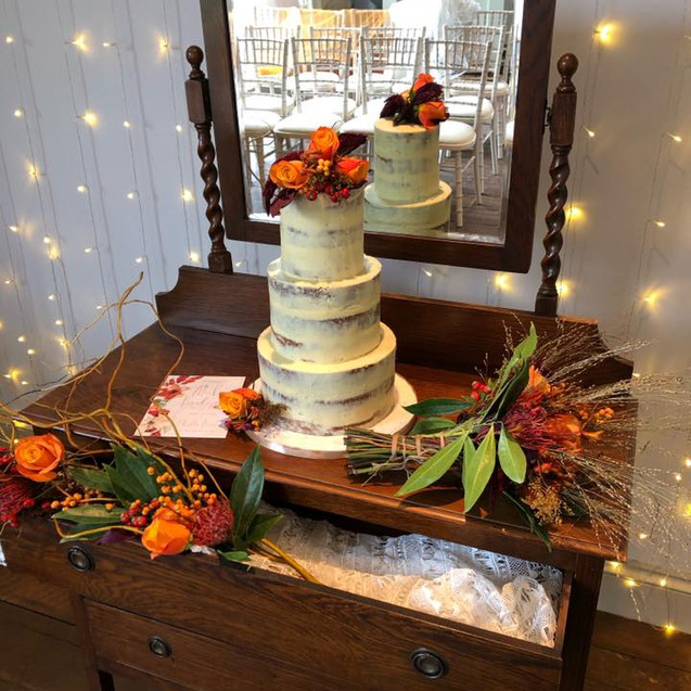 naked weddingcake1.jpg