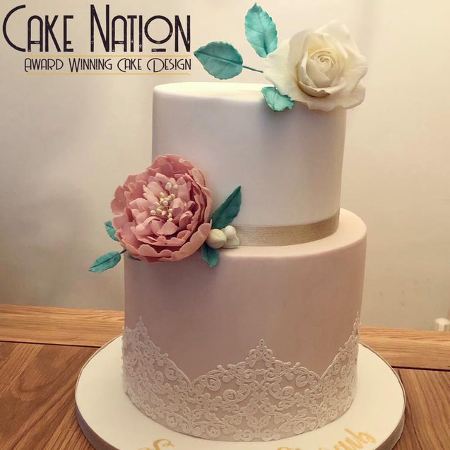 Beautiful 2 tier wedding cake