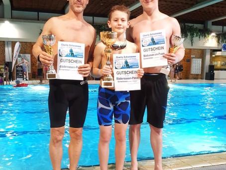 Schwimmen für den guten Zweck: SK VÖEST Schwimmer/innen unterstützen CliniClowns OÖ