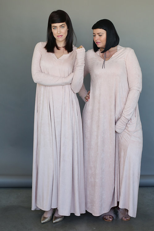 "Nude Dress ""Hili Cuddle Pink"""