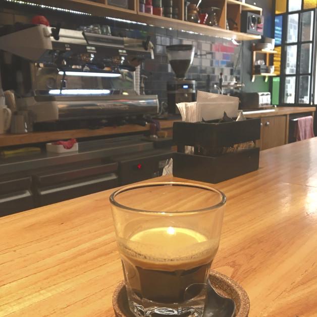 NEGRO Cueva de Cafe Buenos Aires Argentina. Espresso