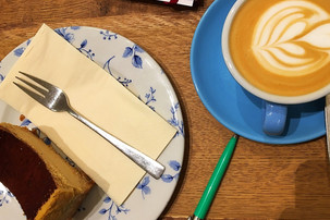Cappuccino and cheese cake