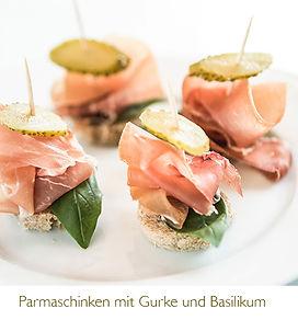 Parmaschinken mit Gurke und Basilikum.jp