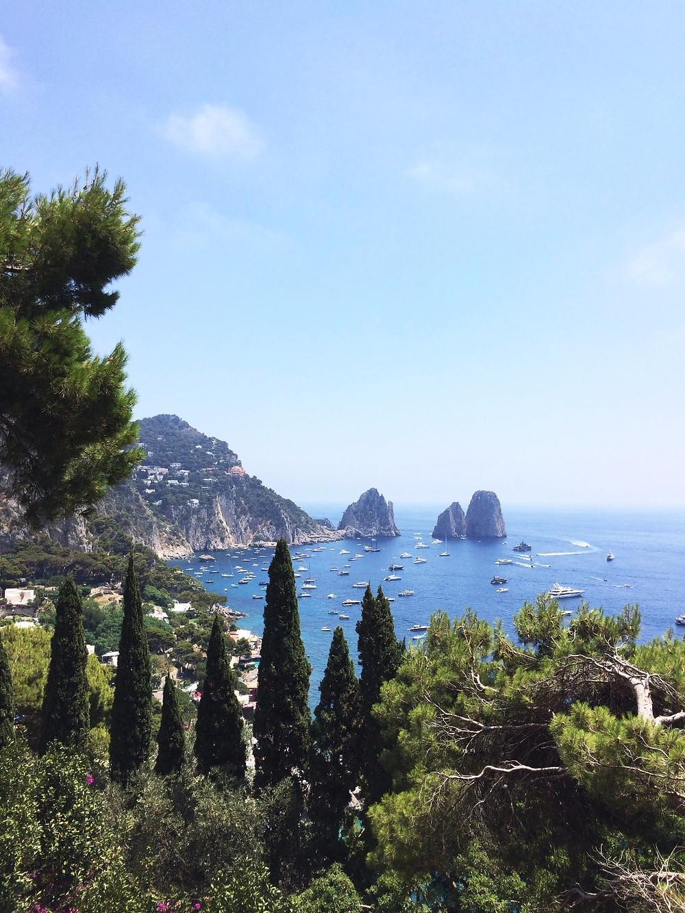 Capri, vista sui Faraglioni