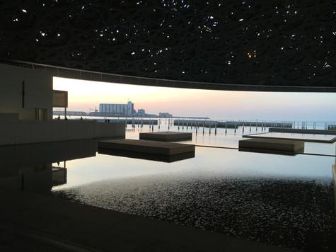 ABU DHABI. Nell'isola di Saadiyat, il Louvre Abu Dhabi, il Museo sull'acqua