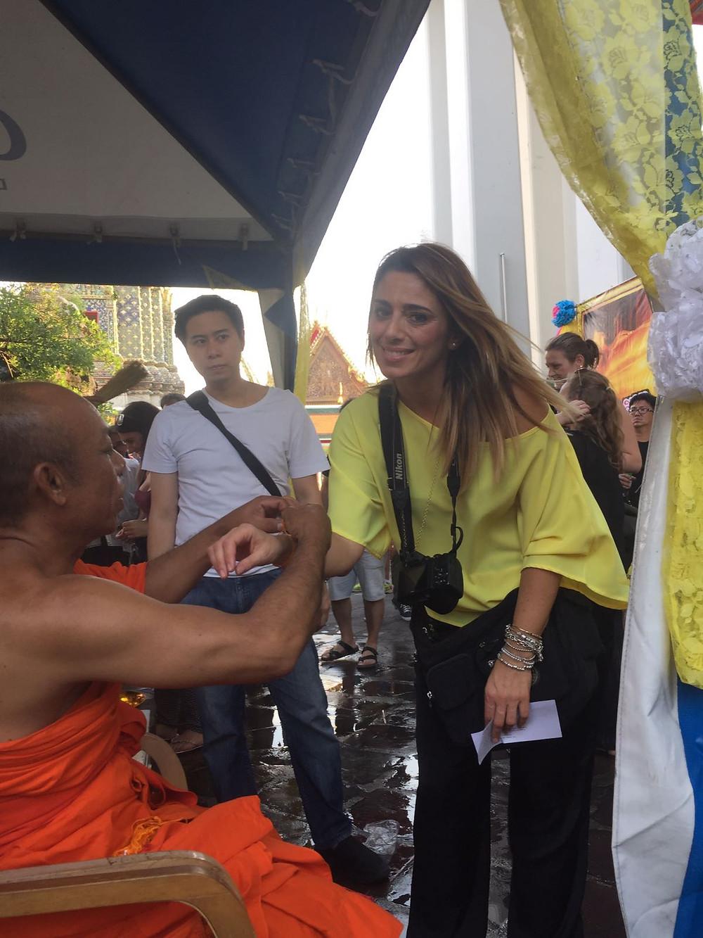 Wat Pho, benedizione a Bangkok, Thailandia