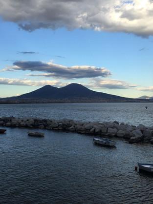 ITALIA. Napoli, dal lungomare ai Quartieri Spagnoli: i dieci posti più instagrammabili della Città