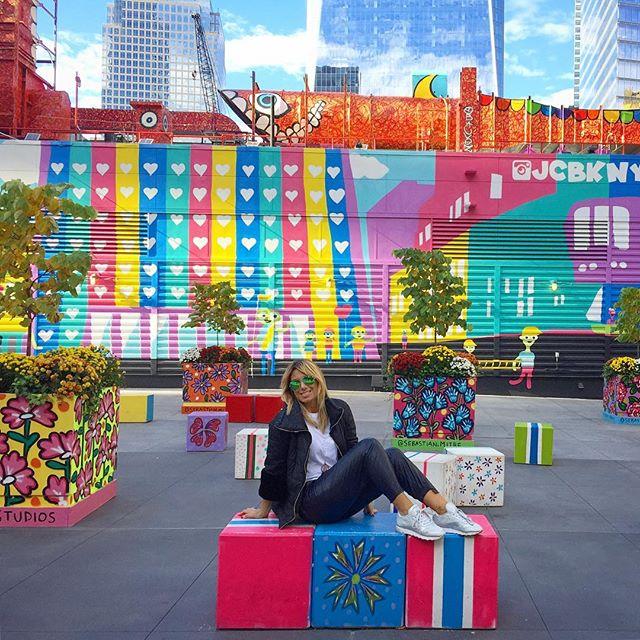 Colorful Sunny Day in New York City!_Qua