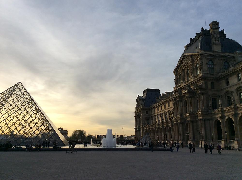 Tramonto al Louvre, Parigi
