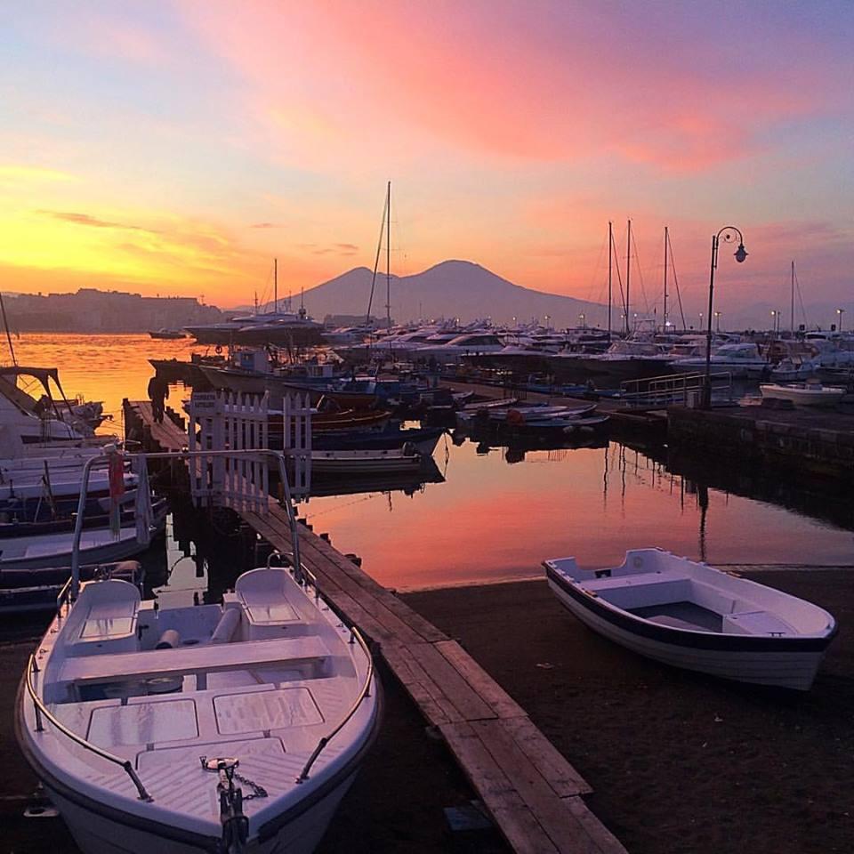 Tramonto sul vesuvio, Napoli, Italia