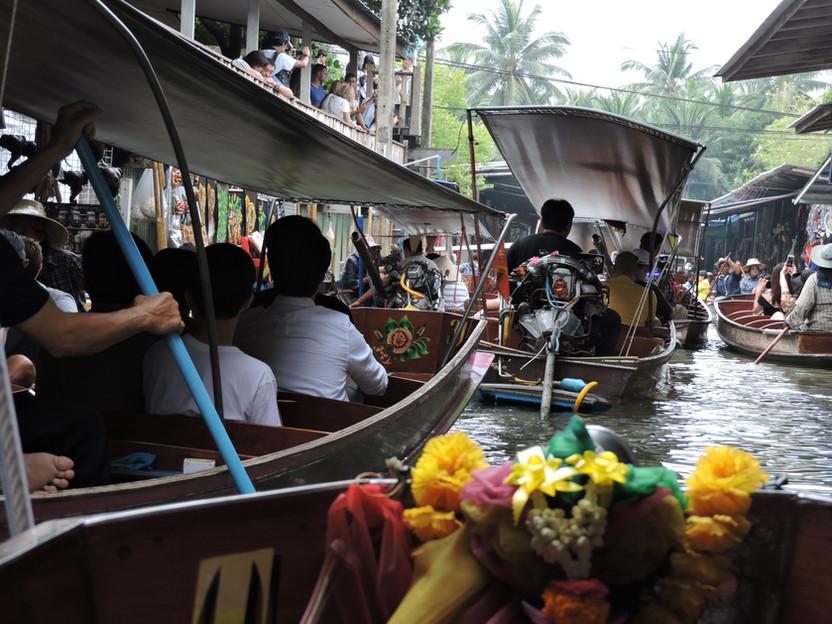 THAILANDIA. A 100 km da Bangkok, il Floating Market di Damnoen Saduak