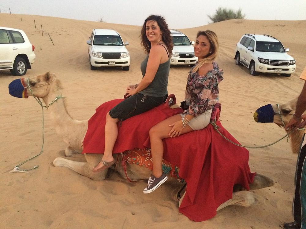 desert safari dubai, passeggiata sul cammello