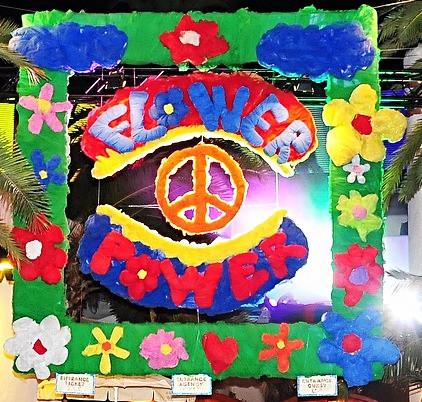 FORMENTERA. Flower Power: musica e fiori accendono l'isola