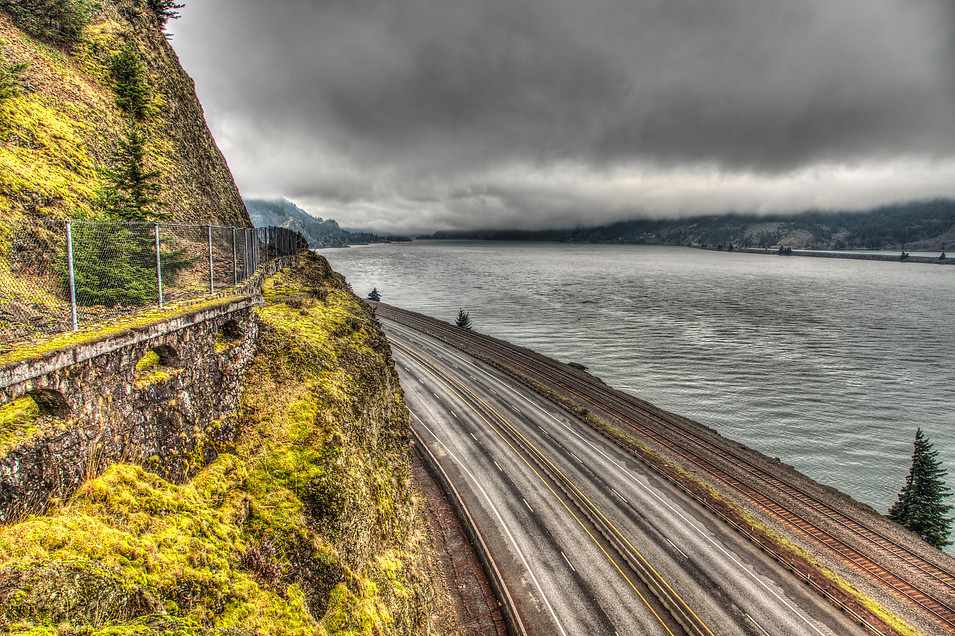 Gorge Highway Cliff - Oregon
