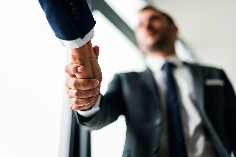 handshake-business-men-concept.jpg