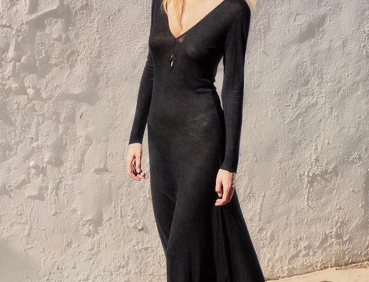 Kara Leo 🔥 black on black print
