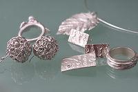 Exemple de bijoux de formation certifiante en pâte d'argent - argent 999 - formation niveau 1 - bijoux d'une stagiaire