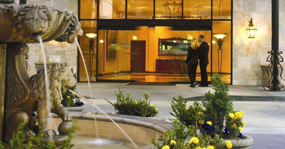 Doubletree Santa Ana Exterior Entry.jpg