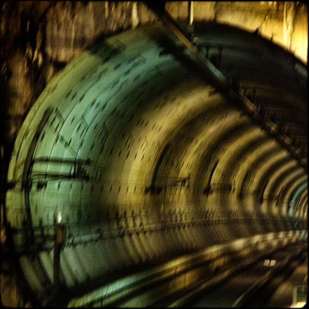 032- tunnel.jpg