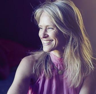 Läs mer om Marina Kronqvist här