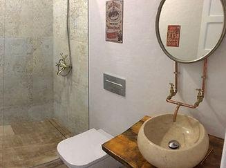 Reforma de baño materiales reciclados
