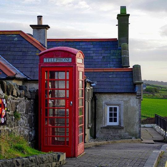 NORTHERN IRELAND: CASTLES, COASTLINE & CULTURE