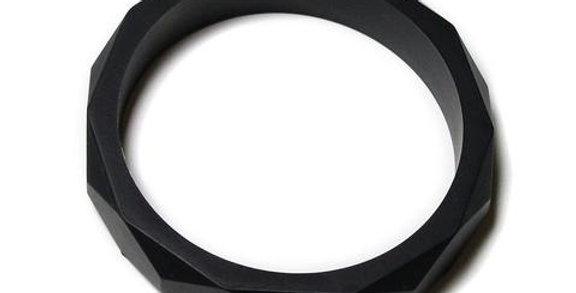 FINLEY SILICONE TEETHING BANGLE- BLACK LICORICE