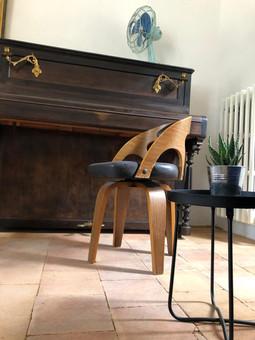 a chaise.jpg