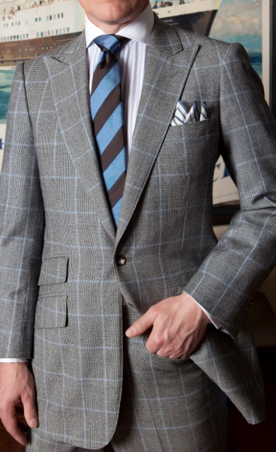 Tight grey windowpane