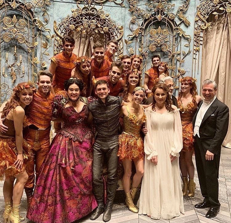 La Traviata Opening Cast