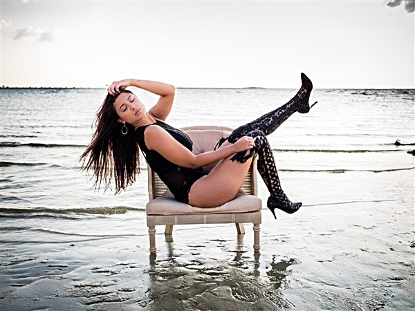 Modeling and Boudoir Photography in Tampa - www.timelesstampa.com
