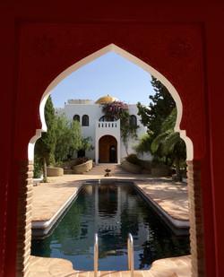 Gold-dome-Taj-Mahita.jpg