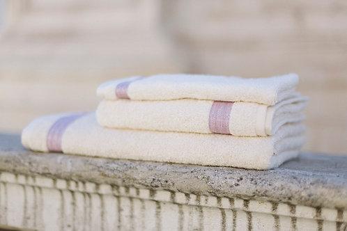 Bio-Baumwoll-Frotteetuch mit Leinen-Zierband / crema